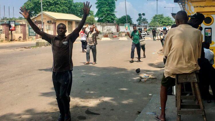 Cầu nguyện cho hòa bình Nigeria , Đức thánh cha kêu gọi cầu nguyện cho hòa bình