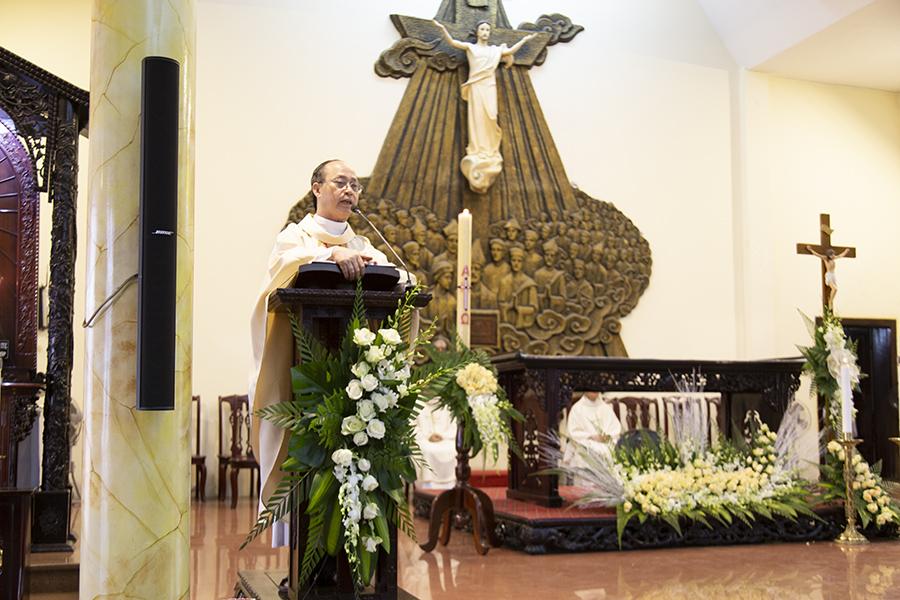 Mẹ Maria- Mẹ của lòng xót thương, Đức Trinh Nữ Maria, Mẹ Hằng Cứu Giúp