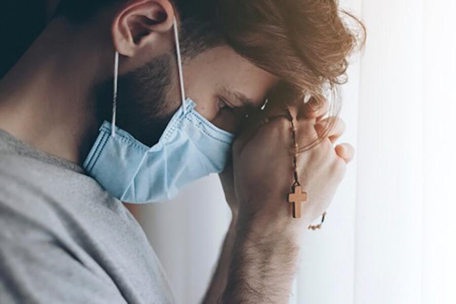 Đức tin của bệnh nhân Covit, Thiên Chúa ở đâu dưới đại dịch, Nên Thánh đối với bệnh nhân