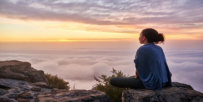 Tình cảm thế gian và tình cảm thiêng liêng, Nơi thánh thiện chốn thiêng liêng