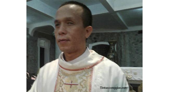 linh mục mù