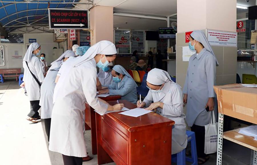 Tu sĩ, các tu sĩ tình nguyện làm việc tình nguyện tại các bệnh viện, Bác ái