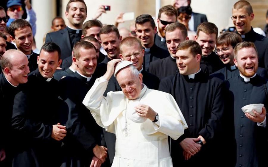 đức thánh cha và các linh mục