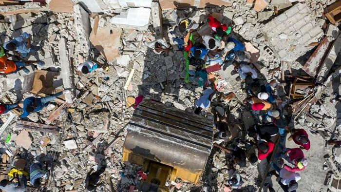 Nhà thờ bị phá hủy vì động đất, người thiệt hại về động đất, nhà thờ